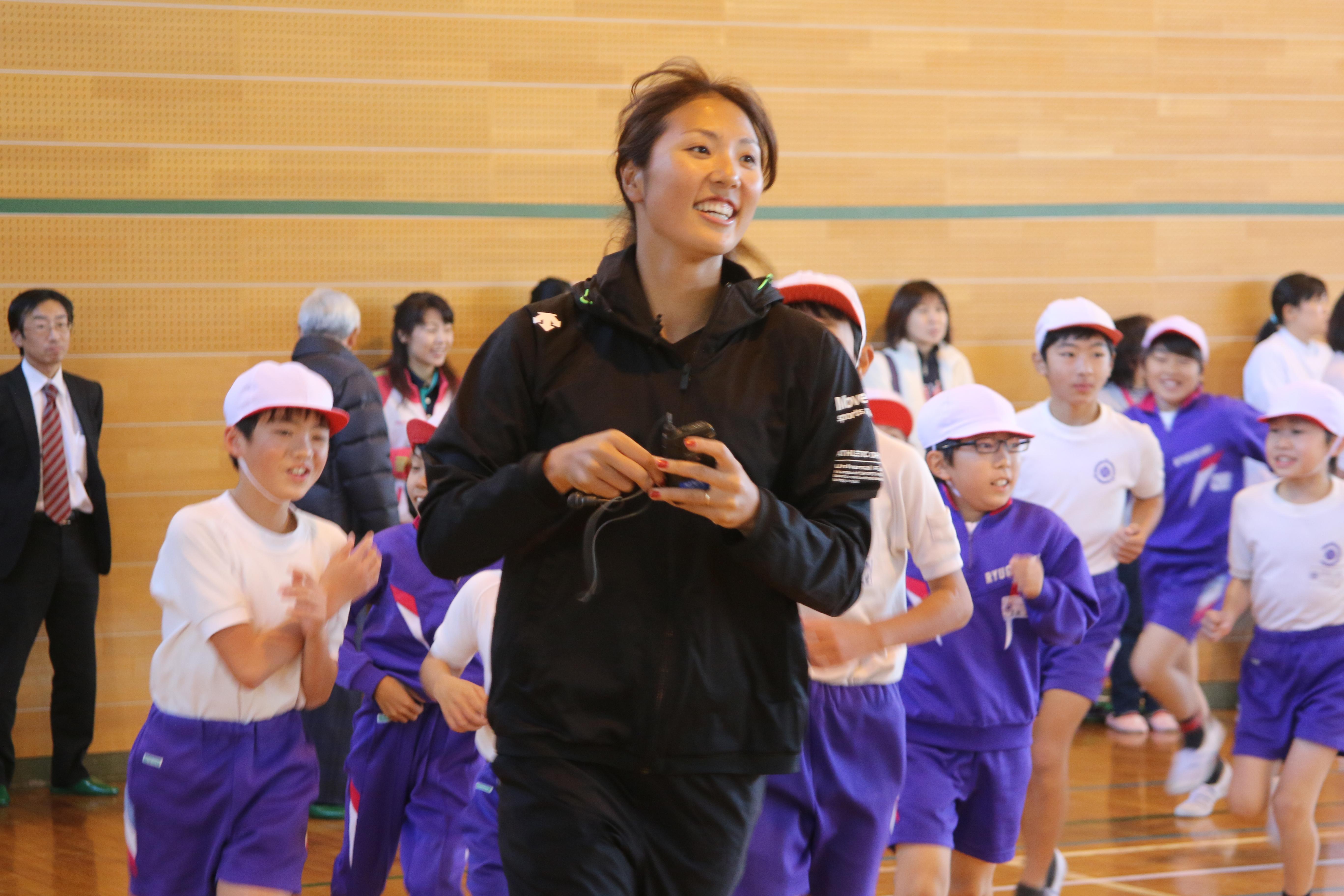 龍ヶ崎小学校バレーボール教室画像